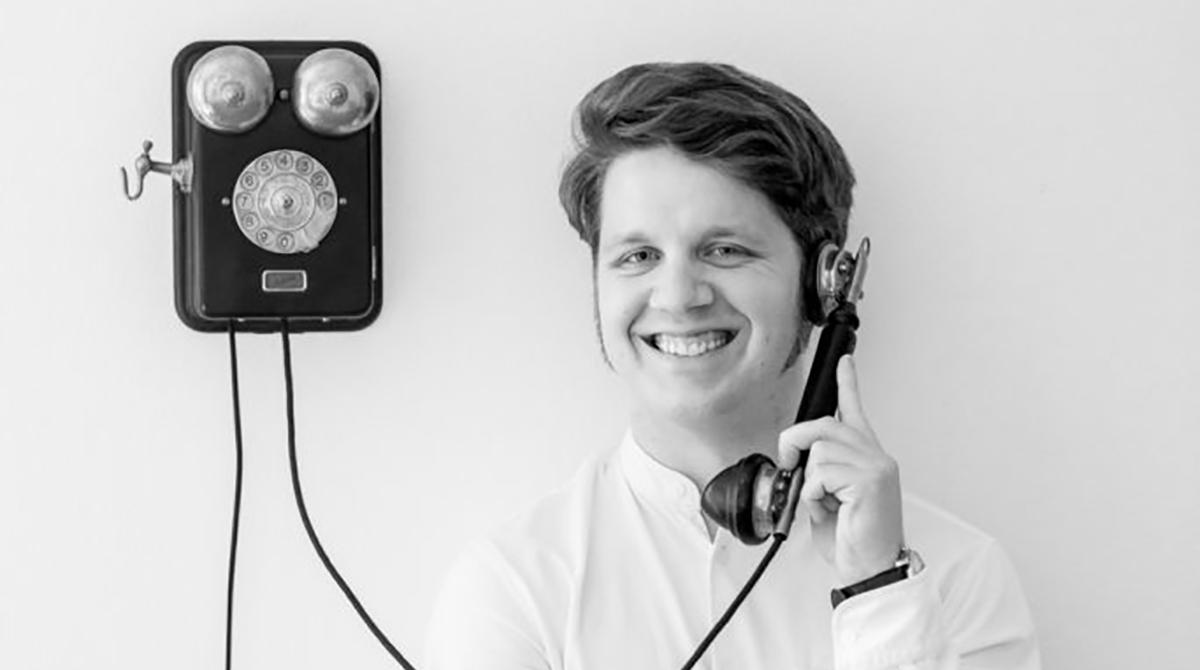 Martin Schienbein am Telefon